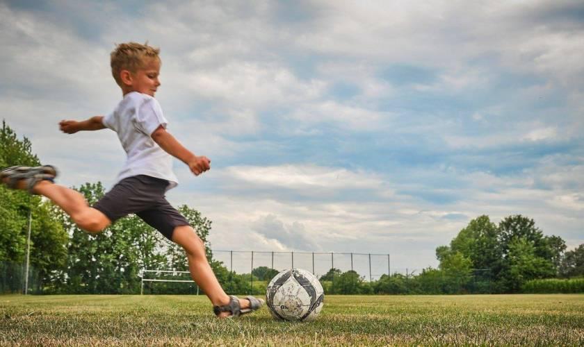 Как подобрать покрытие для детской площадки чтобы обезопасить и порадовать ребенка